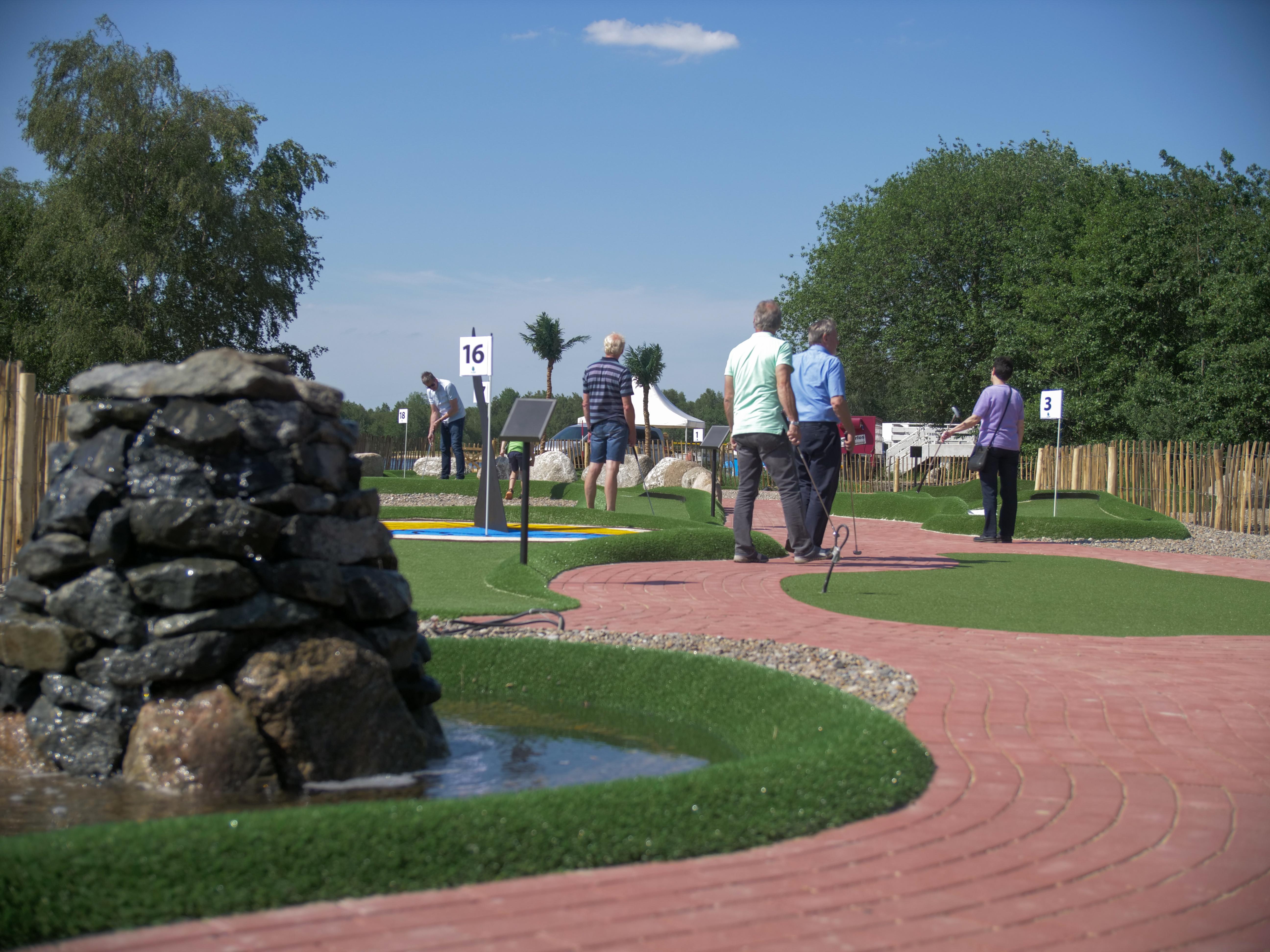 Freundschaftstarif Adventure Golf (ab 20 Personen)